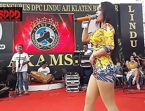 Indonesian glum dance - pretty sintya riske uninhibited dance exceeding seniority