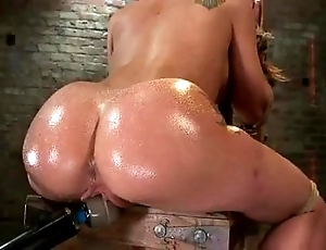 Amy brooke gets the brush pussy vibrated coupled with squirts