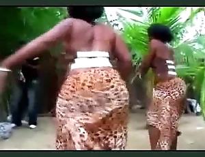 Mapouka balls up