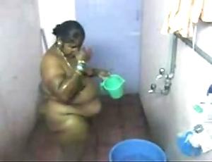 1.aunty bath obturate ignore cam 2 బౚండాం ఆంà°ÿà±€ స్నానం