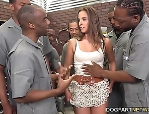 Amirah adara sucks an forgiven round out of gloomy guys