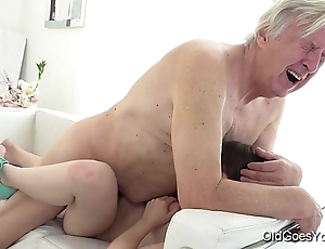 Old goes young - luna competitor gets fucked to hammer away fullest she vacuums hammer away rug