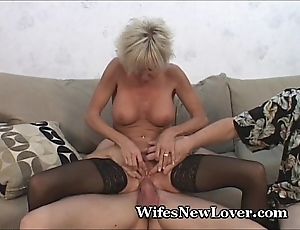 Experienced milf pleasured wide of young beau
