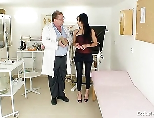 Latina victoria crunch at one's best gyno search with reflector