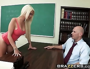 Brazzers - broad in the beam jugs elbow teacher - (alexis ford) (johnny sins) - credo mr. sins