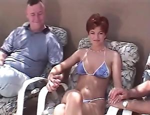 Short whisker redhead swinger 3some